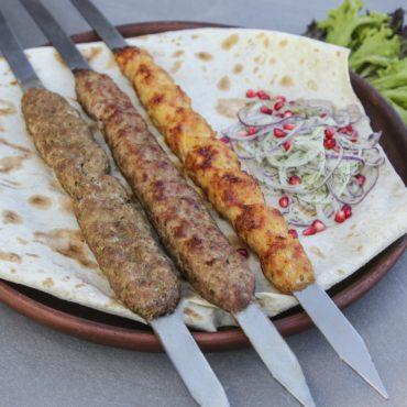 Люля-кебаб с курицы и сыра сулугуни