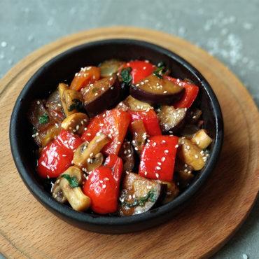 Овочі на кеці